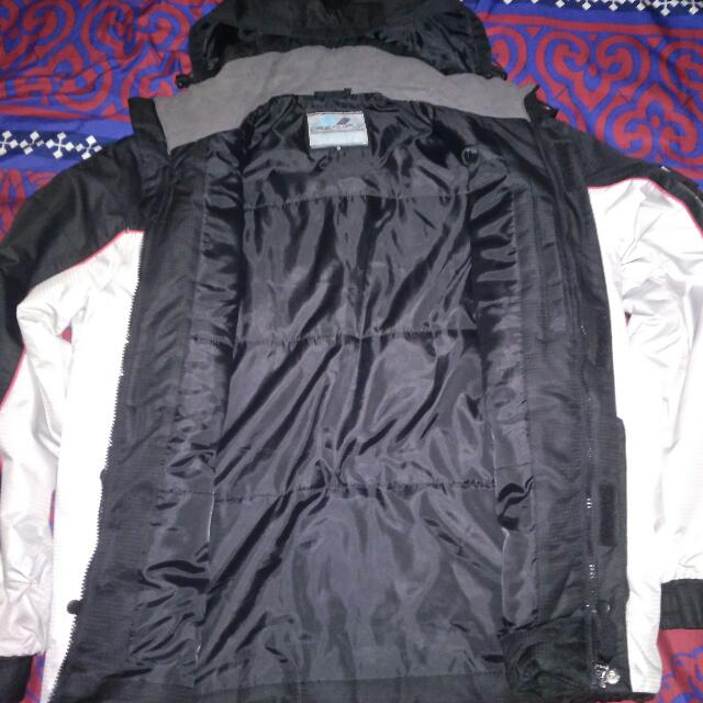 Jaket Outdoor Gunung DREAM FLY Not Eiger Columbia The North Face CONSINA