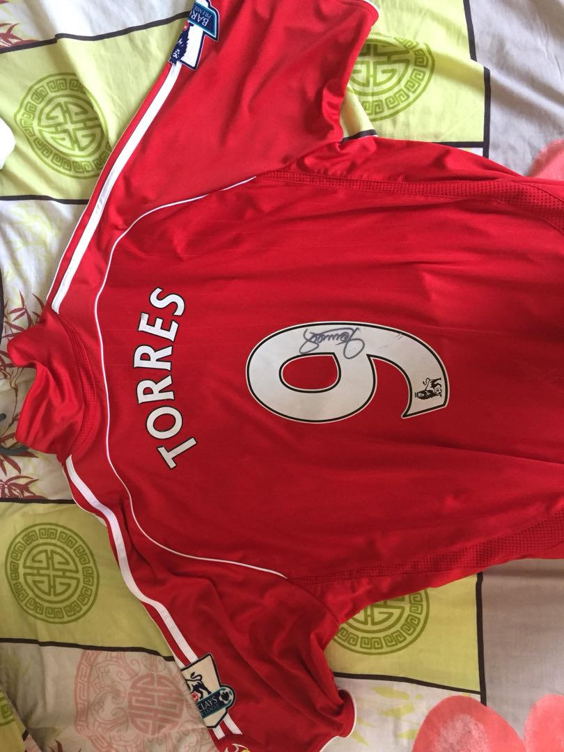 Liverpool Jersey - signed by Fernando Torres 2f7bcfe27