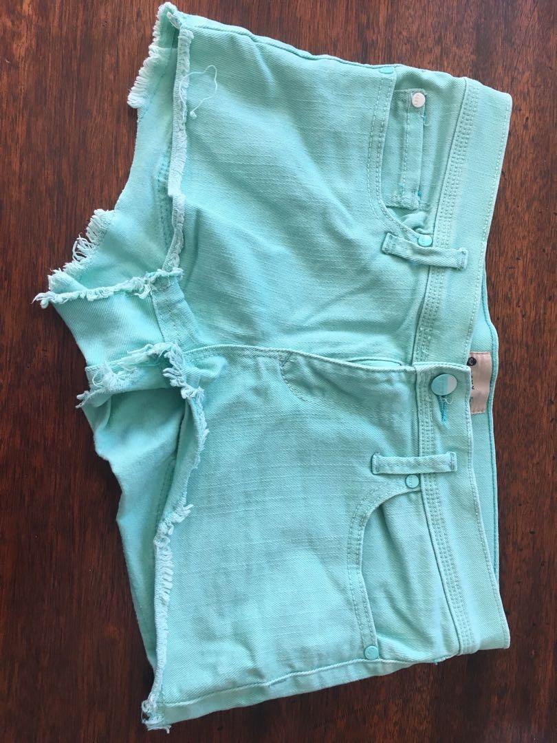Roxy Shorts sz 27