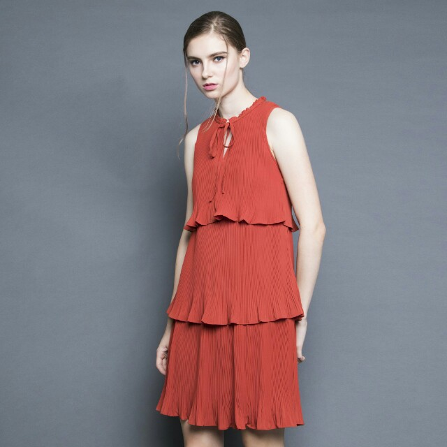 07c272c0b54 Soigne the label tiered pleated dress in burnt orange (size S ...