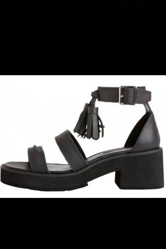 Windsor Smith black chunk shoes