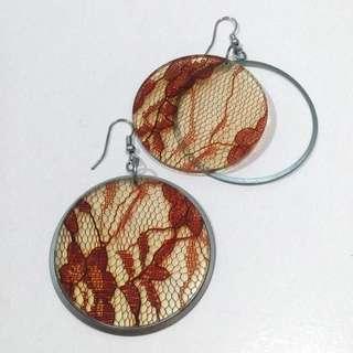 Hula acrylic lace