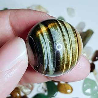 Hawk's Eye / Blue Tiger Yellow Tiger Eye Ball Sphere with stand for Good Luck 蓝黄虎眼球 好运 水晶