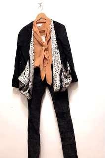 🚚 圖騰設計造型外套+全新橘色雪紡上衣+黑色牛仔褲