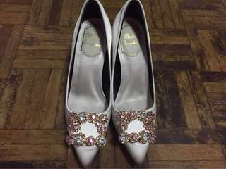 Champagne colour high heels with diamonds