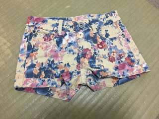 花朵暈染短褲