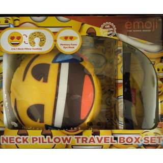 全新 Emoji Neck Pillow Travel Box Set