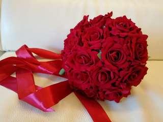 紅玫瑰絲花球 classic red roses bouquet