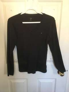 Tommy Hilfiger Black V-neck LS