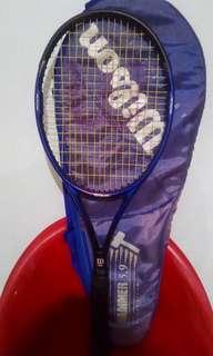 Wilson Hammer 5.9 tennis racket