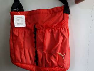 PUMA側背包