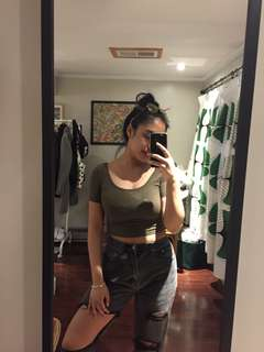 f21 small army green crop top