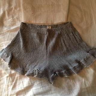 Frilly summer shorts