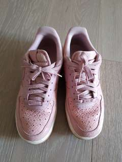 Nike Air Force 1 Premium Sneaker in Pink