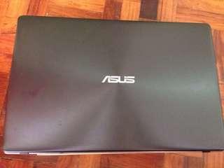 ASUS Laptop and iPad 2 Bundle