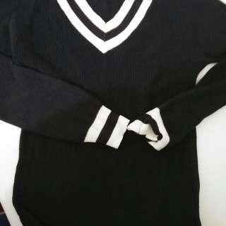 sweater rajut hitam