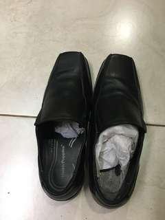 Sepatu kulit hush puppies