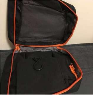 旅行用多格化妝浴室掛袋 Brand New Travelling Bathing Cosmetics Bag