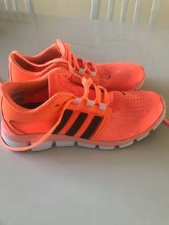 Adidas adipure  women's trainer. Size US7 UK 5.5