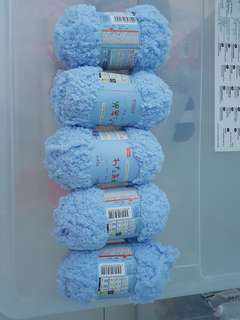 Fluffy yarns