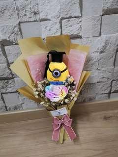 Graduation bouquet miniom