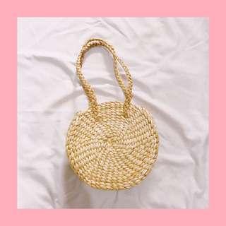 Round woven bag Bali. Enceng gondok.