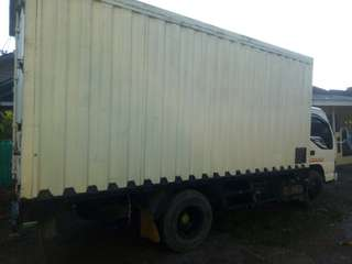 Isuzu elf box