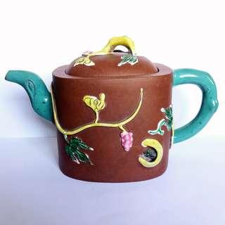 * 016 * ROC Chinese Yixing Zisha Teapot 民国宜兴紫砂茶壶
