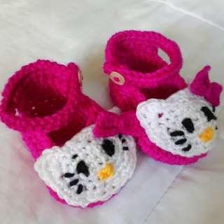 Crochet Hello Kitty Shoes