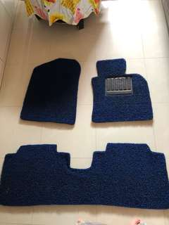 Custom car mat Kia k32 piece front. 1piece rear.