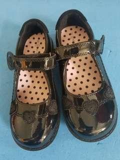 M&S Girls black shoes 返學黑鞋