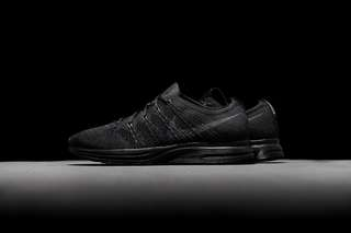 Nike Flyknit Trainer Triple Black
