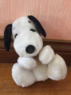 Small snoopy stuffed toy