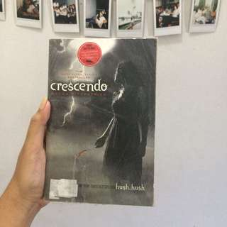 Crescendo by Becca Fitzpatrick (YA book)