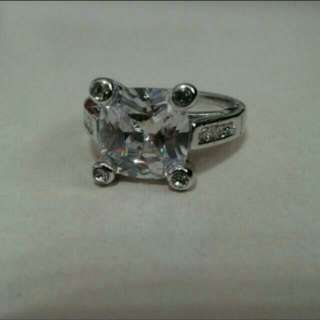 HELEN Regal Huge Crystal Ring