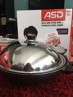 Non-stick Wok + Stainless Steel cover 36cm