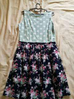 Poco dots top and flowery skirt