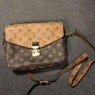 Louis Vuitton Pochette Metis Handbag (brand NEW)