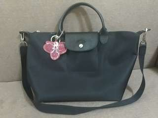 LONGCHAMP NEO (Black/Medium) with AUTHENTIC LONGCHAMP KEY RING