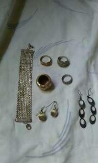 Bracelet, rings, earings