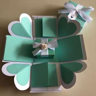 Diy explosion box with gift box & 8 waterfall in Tiffany & white