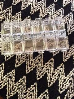 🚚 美甲用12格珠珠收納盒