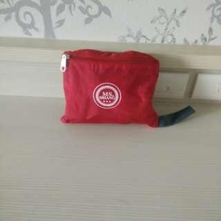 紅色花朵尼龍折疊包 輕便折疊背包 出國必備背包 登山背包 戶外包 購物包 雙肩背包