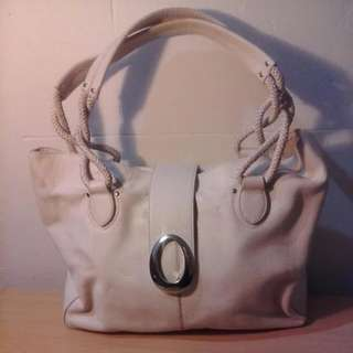 Oroton Cream Leather Shoulder Bag With Silver Detailing As New Great Condition