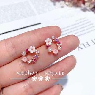 Pearl flowers earrings