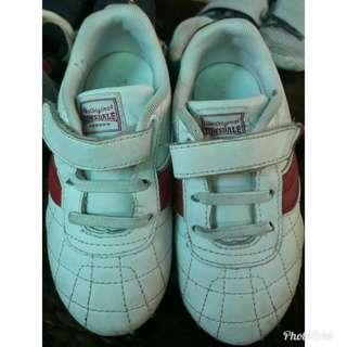 Preloved lonsdale shoes for toddler