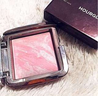 Authentic Hourglass Ambient Lighting Blush - Dim Infusion / Pink Peach Tone