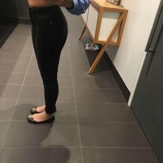 Black skinny jeans H&M