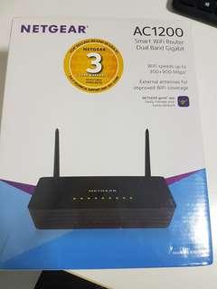 Netgear Smart WIFI Router AC1200 R6220