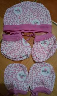 Disney Minnie Mouse bonnet , booties and mittens